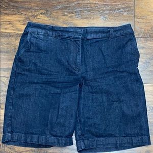 Talbots 14P Jean shorts excellent condition.